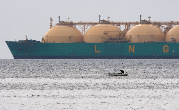 Bulgartransgaz completes deal for participation in Greek LNG...