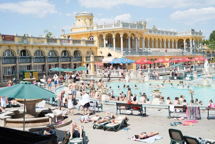 Hungarian baths revenue fall 50% this year