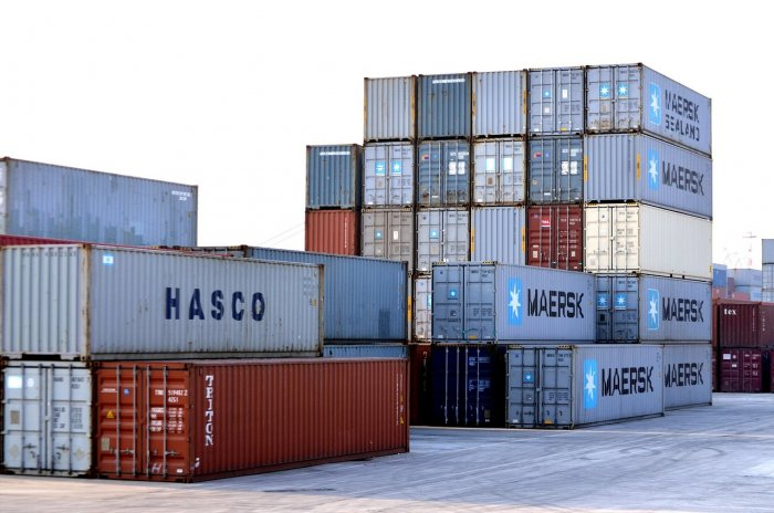 Surplus on external trade in goods at EUR 856 mln in Feb