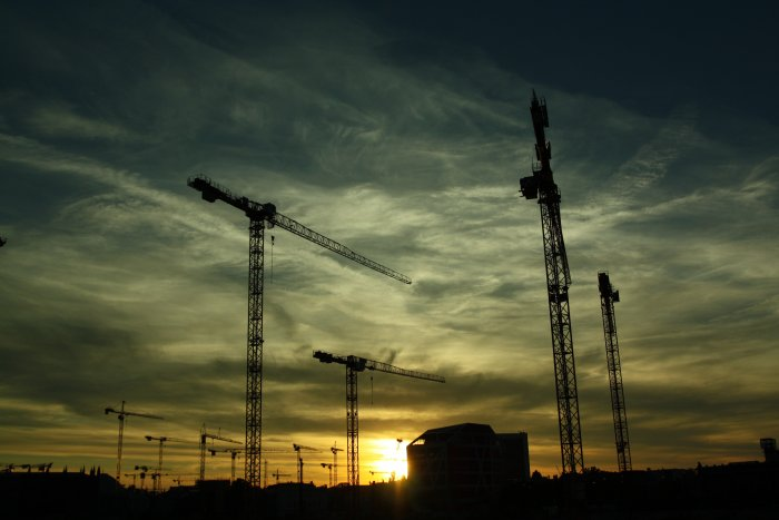 Construction output volume up 2.5% in February