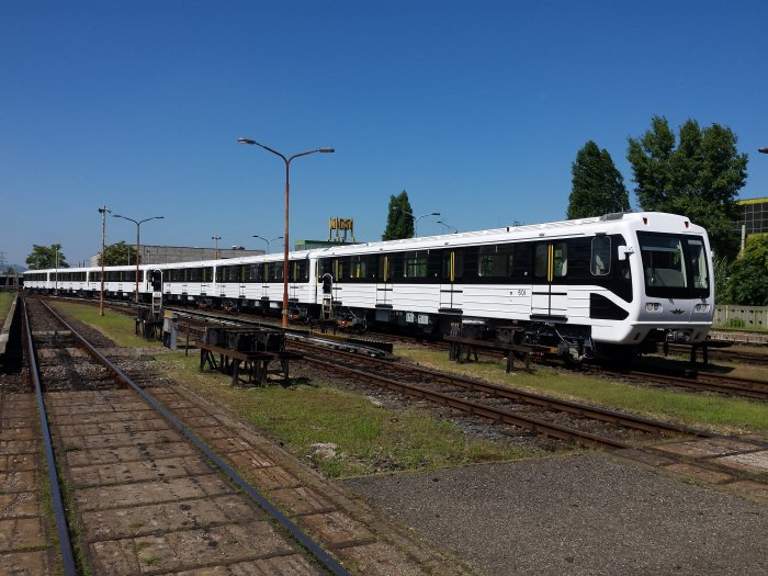 Muni council reports 'unfavorable' metro carriage contract t...