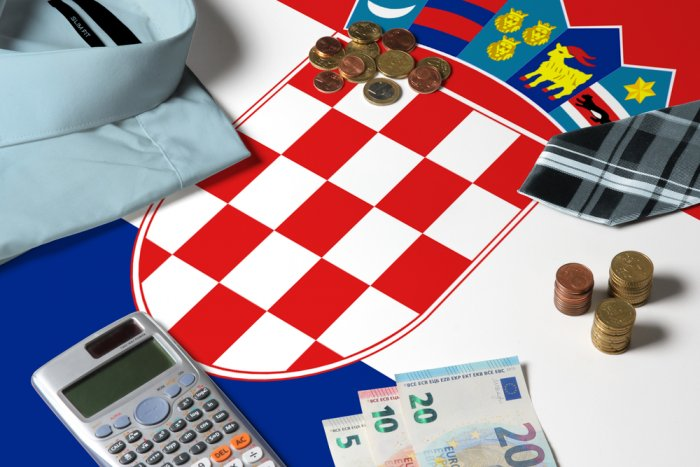 Croatia gross foreign debt down in July