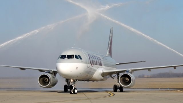 Qatar Airways celebrates 10th anniversary of 1st Budapest-Doha flight
